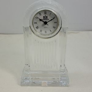 DESIGN GUILD GLASS MANTEL CLOCK MADE IN SLOVAKIA